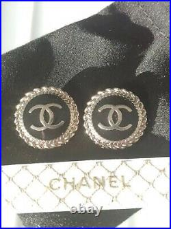 10 STAMPED CHANEL STEEL BUTTONS BALCK GOLD CC LOGO 21.7 mm 0.85 lot of 10